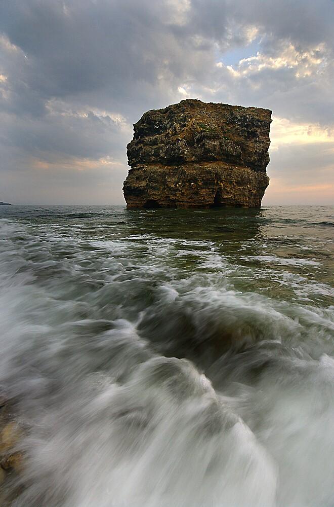 MARSDEN ROCK by STEVE  BOOTE