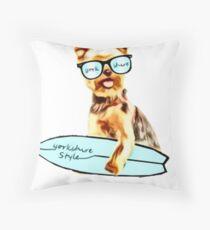 mon Yorkie  Ramen chien  Throw Pillow
