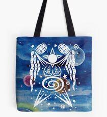 Pagan Art. Sternengöttin mit Wasser und Sternen. Tote Bag