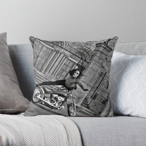 Paulino Sensei  武士 Throw Pillow