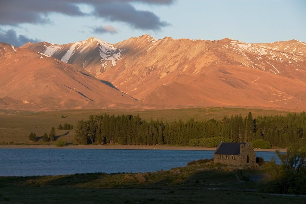 Evening at Lake Tekapo by Ian Robertson