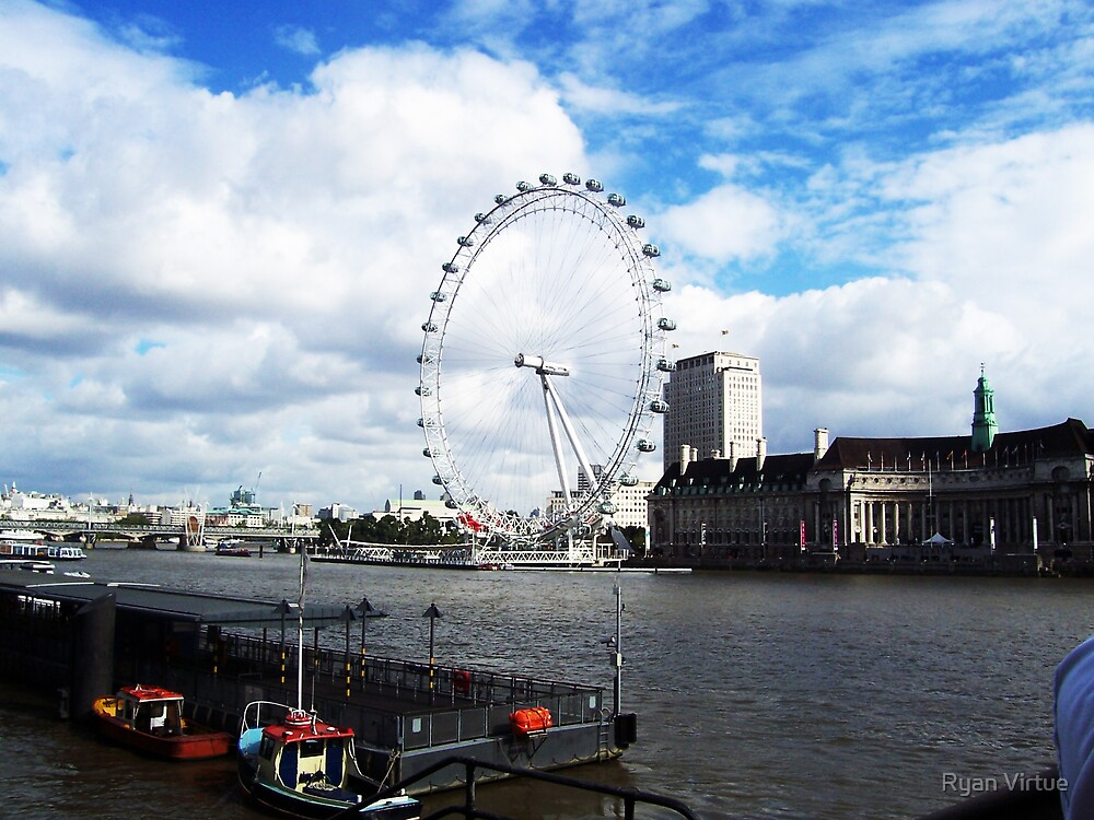 London eye by Ryan Virtue