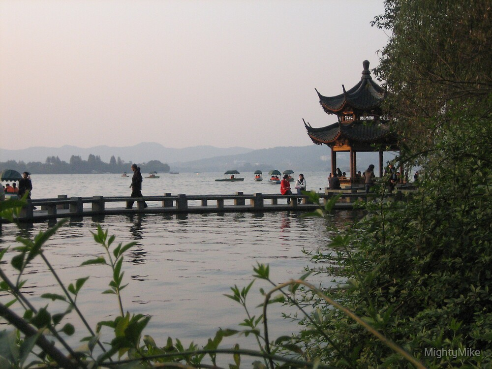 The lake in Hangzhou by MightyMike