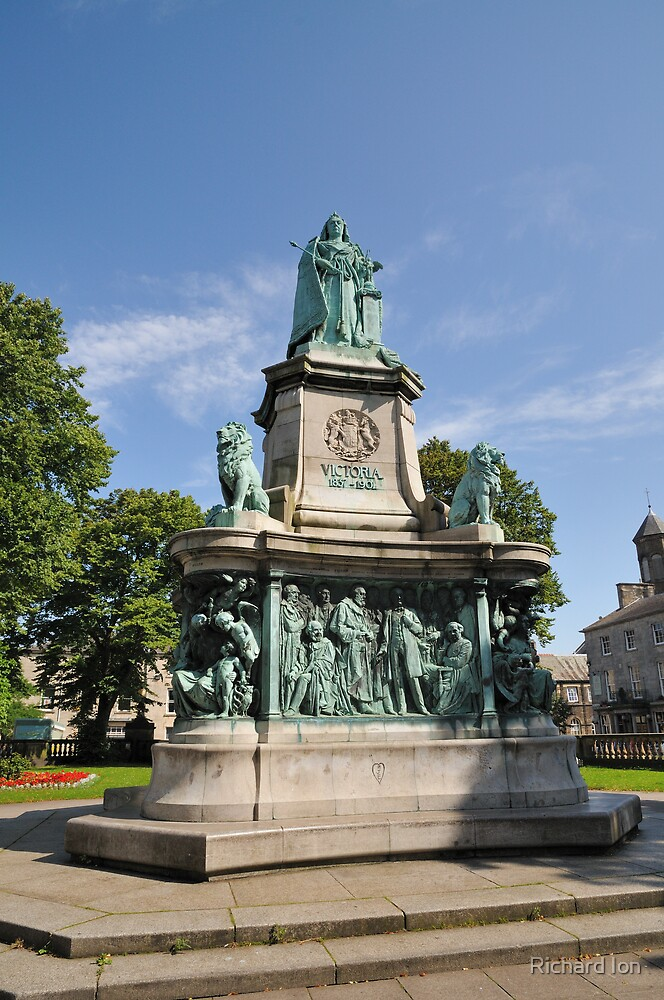 Victoria Monument, Lancaster by Richard Ion