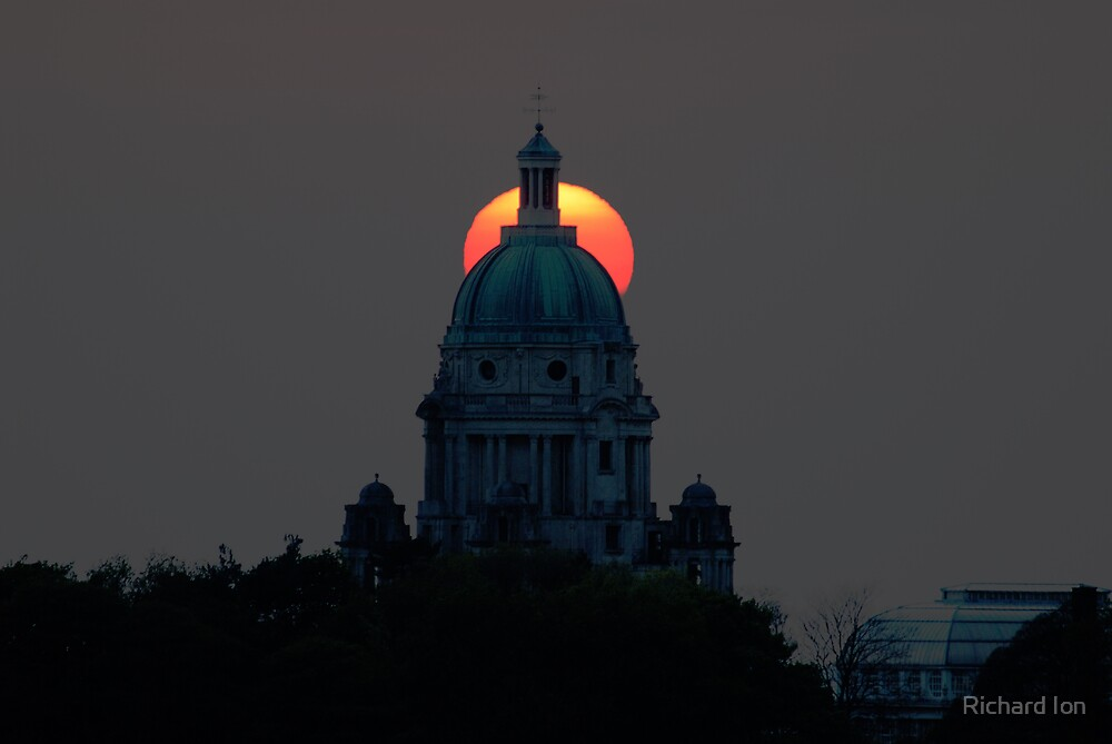 Ashton Memorial and the Setting Sun, Lancaster by Richard Ion