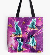 Weltraum-Katzen mit den Regenbogen-Laser-Augen, die auf Pizza reiten Tote Bag