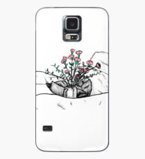 Roses in a jar on bedding Case/Skin for Samsung Galaxy
