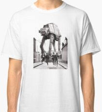 Attacke Classic T-Shirt