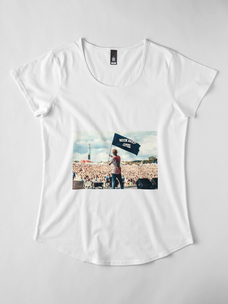 Alternative Ansicht von Ben Barlow Neck tiefe Flagge Premium Rundhals-Shirt