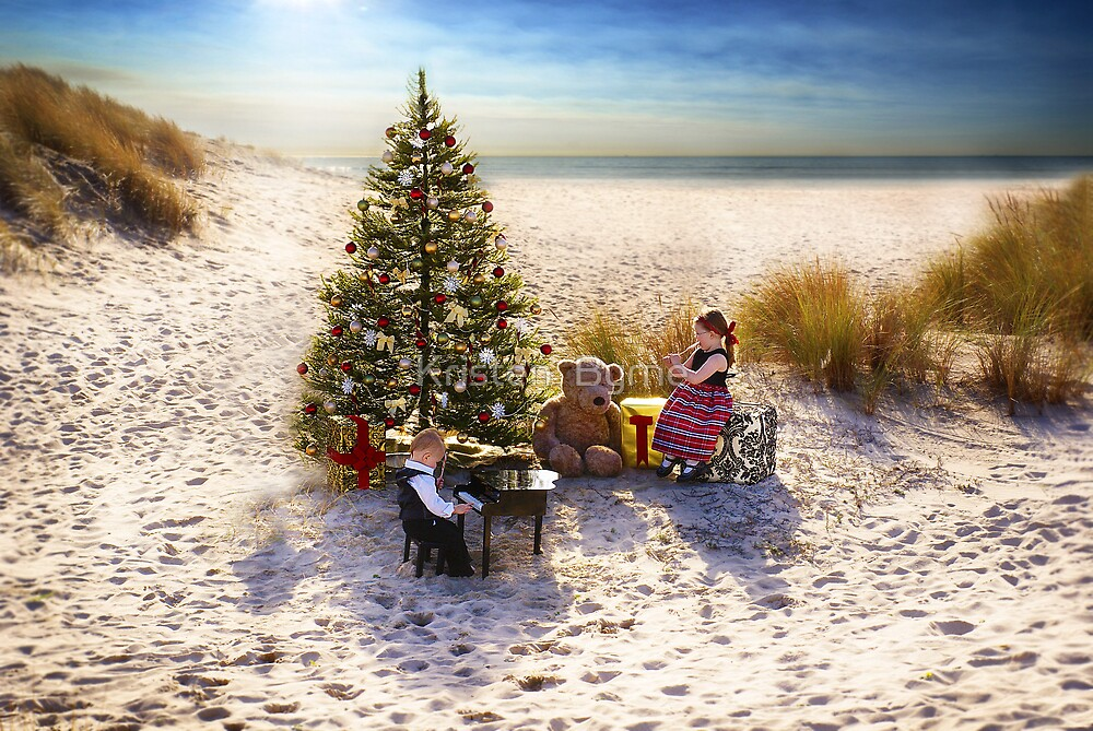 Christmastime on the Beach by Kristen  Byrne
