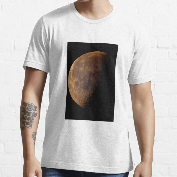 sunday moon Essential T-Shirt