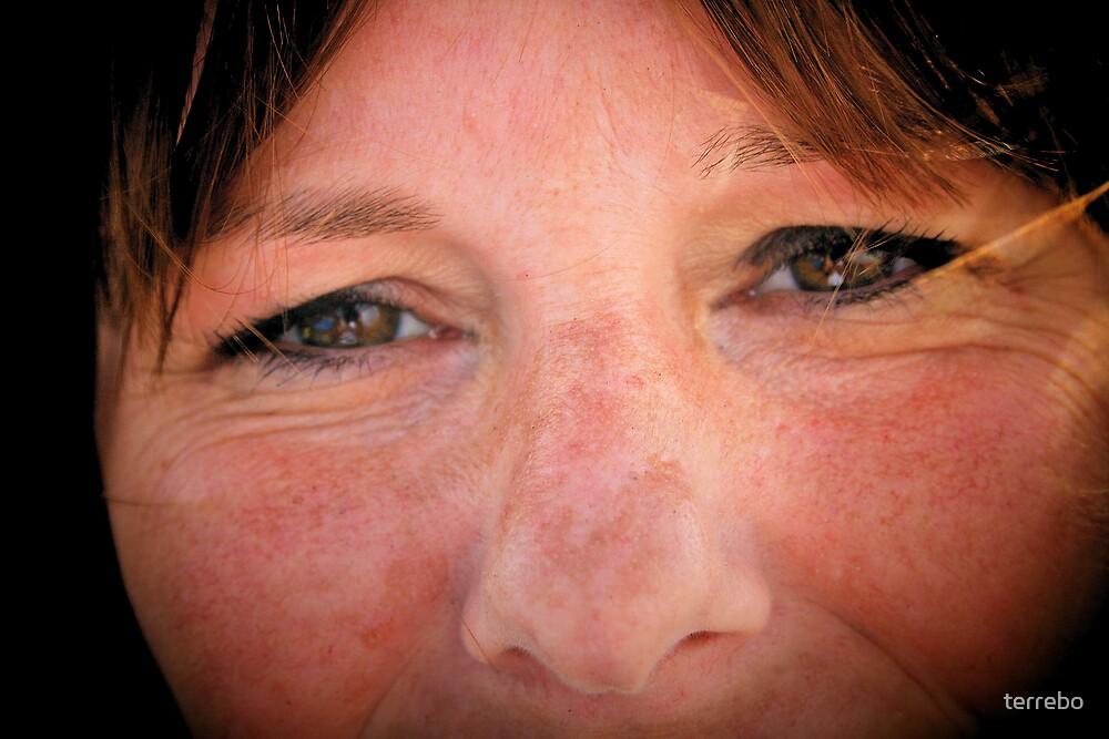 Big Brown Eyes That Love Me  by terrebo