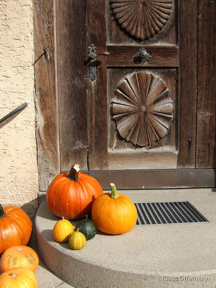 Pumpkins at the doorsteps by Klaus Offermann