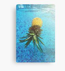Die schwimmende Ananas Metallbild