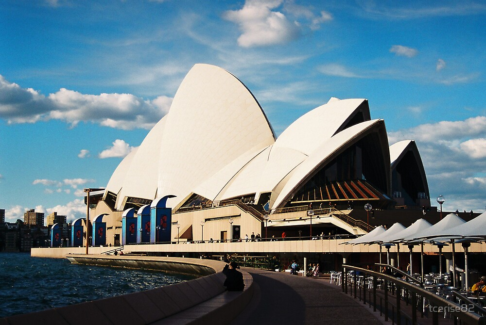 Opera House by tcerise82