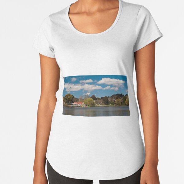 Lake Daylesford Premium Scoop T-Shirt