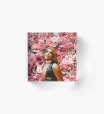 RPDR - Valentina Acrylic Block