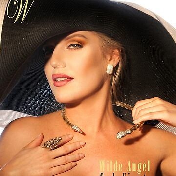 Carly in Big Hat for COVER by julianwilde