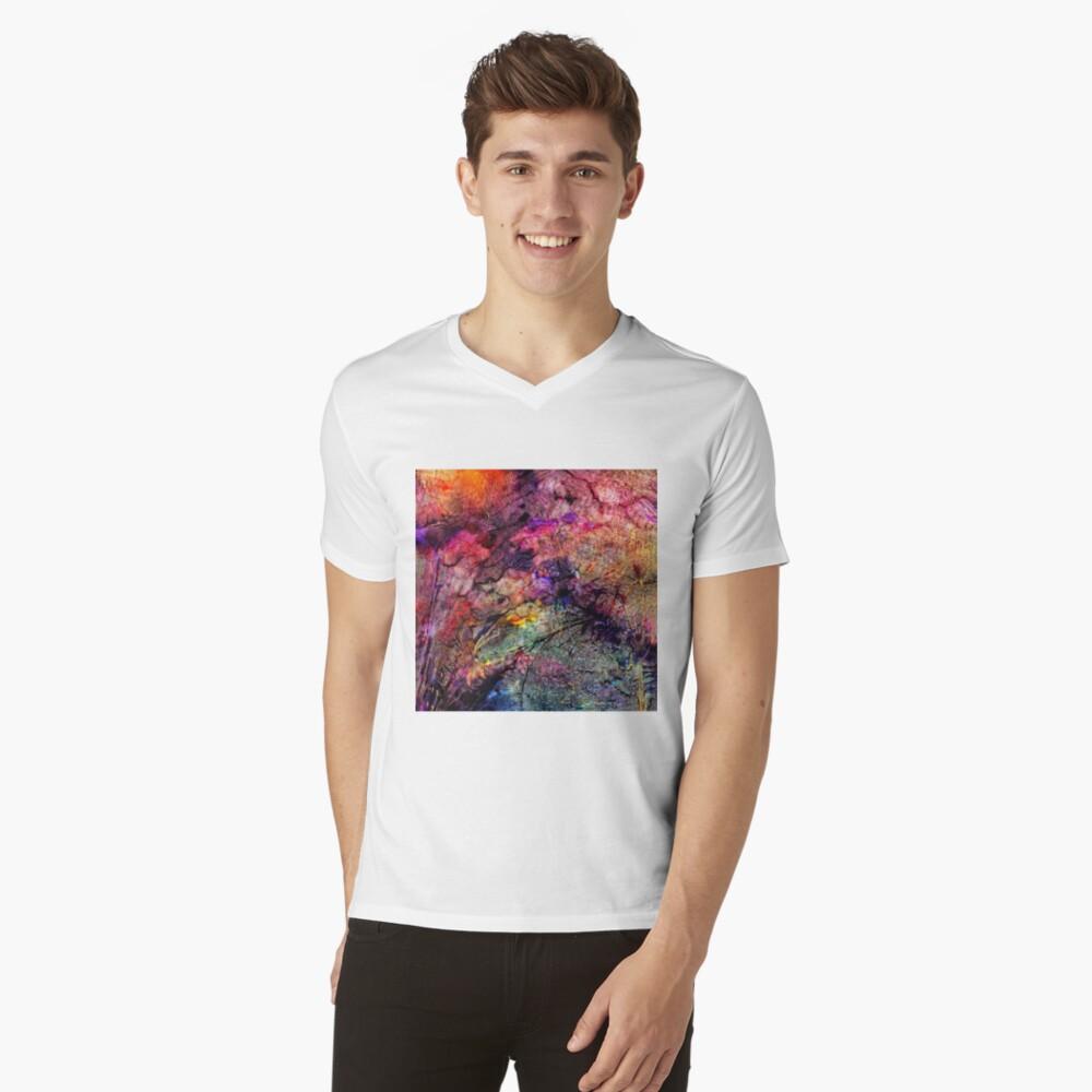Qualia's Bridge R V-Neck T-Shirt