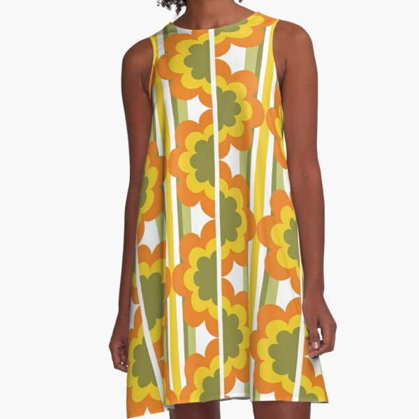 1970's Pattern / Retro 70s Vintage Seventies style A-Line Dress