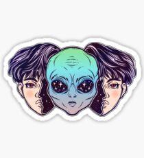 Portriat des außergewöhnlichen Außerirdischen aus dem Weltraum Gesicht verkleidet als ein menschlicher Junge. Sticker