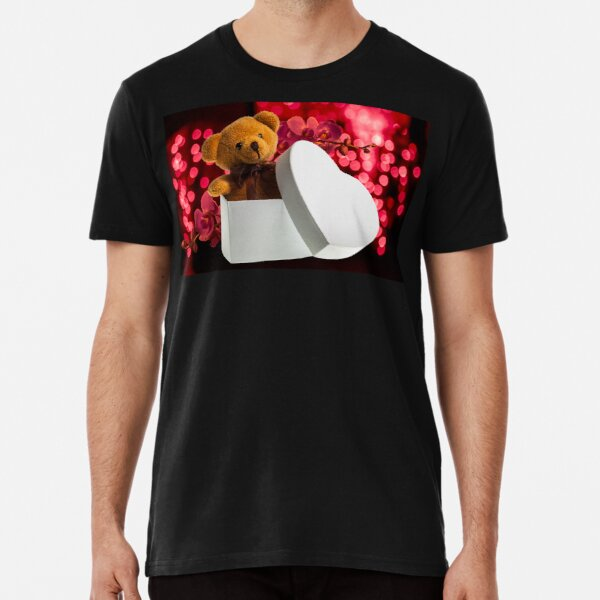 bear with orchid in heart box Premium T-Shirt