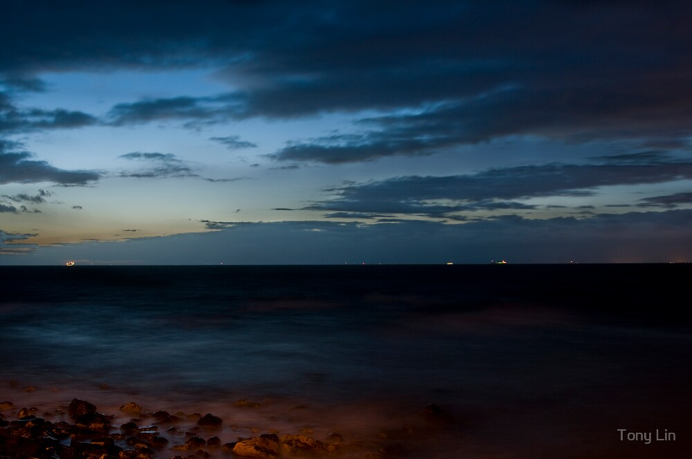 Port Phillip Bay Dusk Skyline by Tony Lin