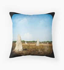 Djukbinj Country Throw Pillow