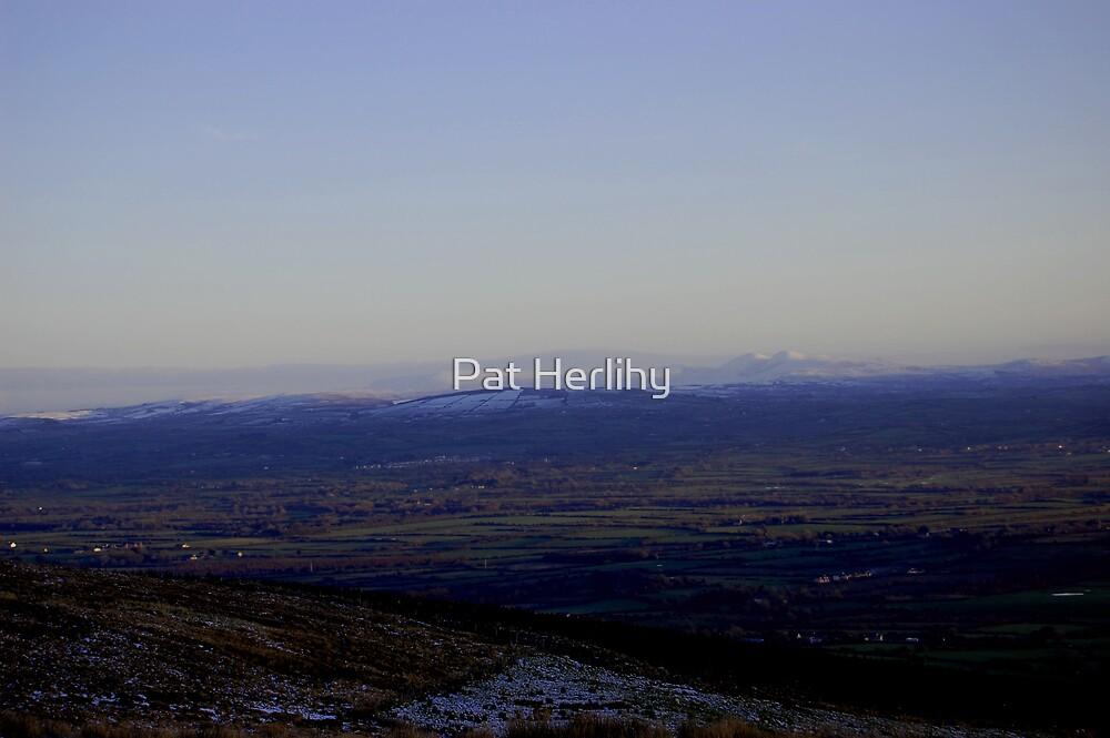 Winter Sky, Castlemaine, 2 by Pat Herlihy