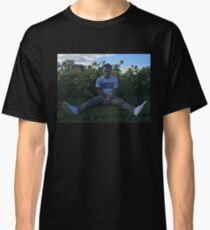 LIL SKIES HIGH QUALITY COVER / PHOTO / PICTURE SITTING IN SUN FLOWER FIELD  Classic T-Shirt