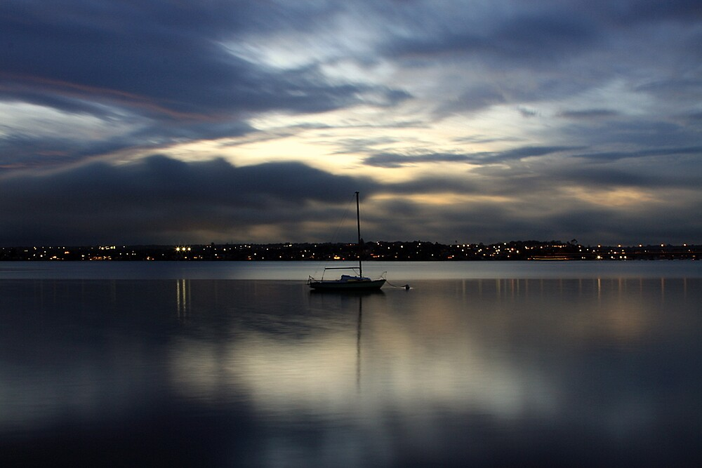 lonely boat by rgh05t