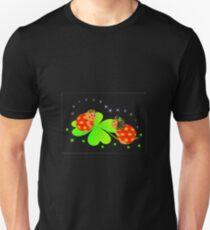 4 leaf clover lady bug design Unisex T-Shirt