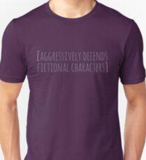 Camiseta ajustada Defiende agresivamente personajes de ficción
