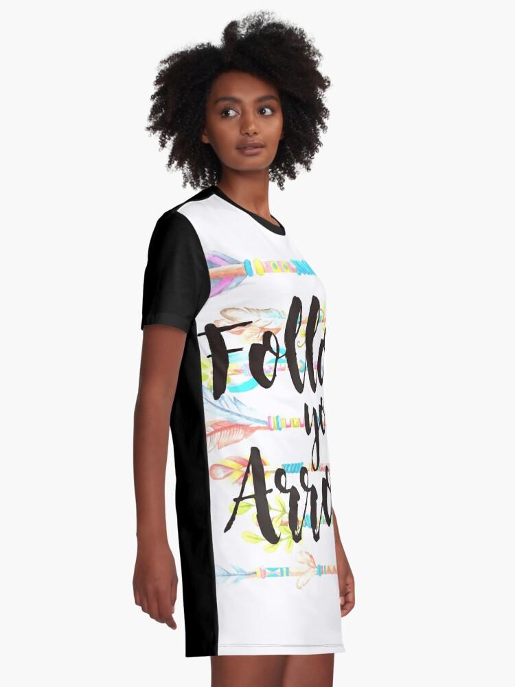 Vista alternativa de Vestido camiseta Follow your Arrow