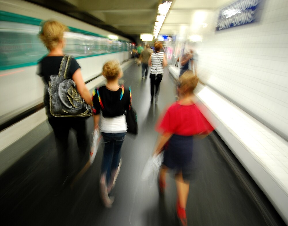 Metro, Paris by Colin Leal