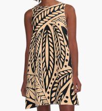 Helle Haut färbte retro farbigen hawaiischen polynesischen Stammes- BlumenTätowierungsentwurf A-Linien Kleid