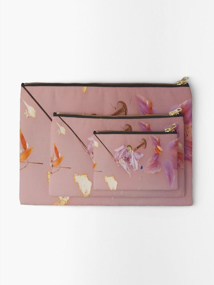 Alternative Ansicht von Harry Styles rosa Blumenmuster Täschchen