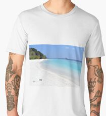 Beautiful beach in Maldives Men's Premium T-Shirt