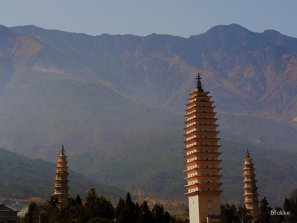Three pagodas in Dali, China by bfokke