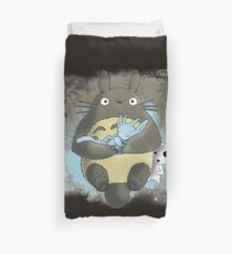 Totoro and the blind forest Duvet Cover