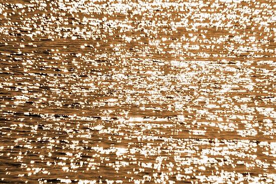 Shine and sparkle by Viktoryia Vinnikava