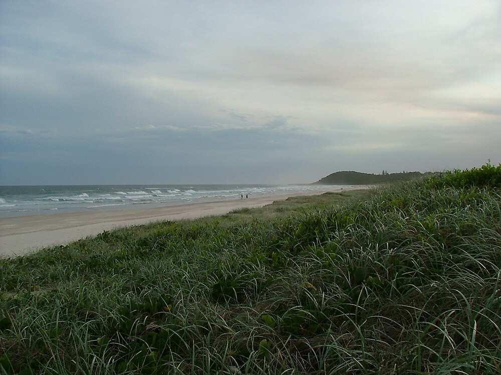 evening falls on grey tides by jacspi