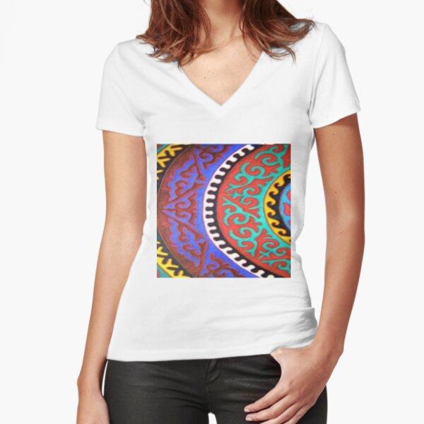#Ковровый #узор #балкарского #карачаевского #войлочного #ковра #Carpet #pattern of a #Balkarian & #Karachay #felt #carpet #Ковровыйузор #CarpetPattern #таулу #tawlu #mountaineer #таулула #tawlula Fitted V-Neck T-Shirt