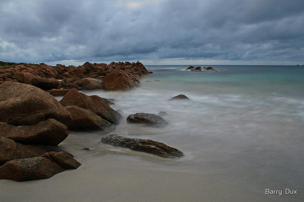 Smiths Beach Beauty by Barry  Dux