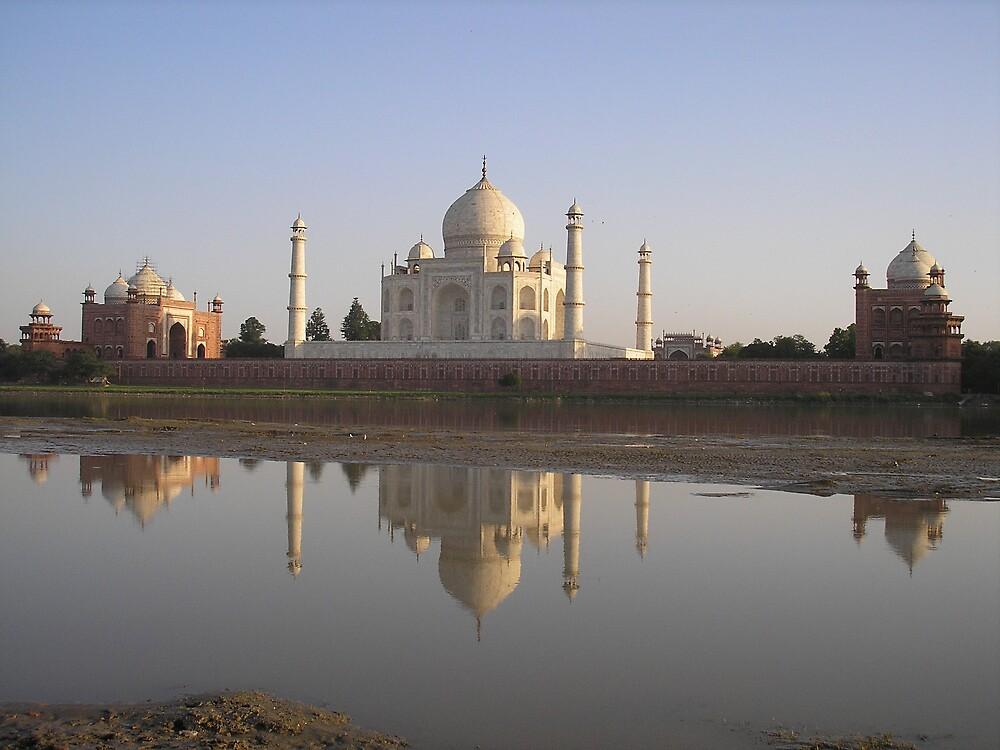 Taj Mahal, Agra India by Geoff Maltby