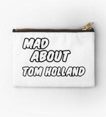 Wütend über tom holland Studio Clutch