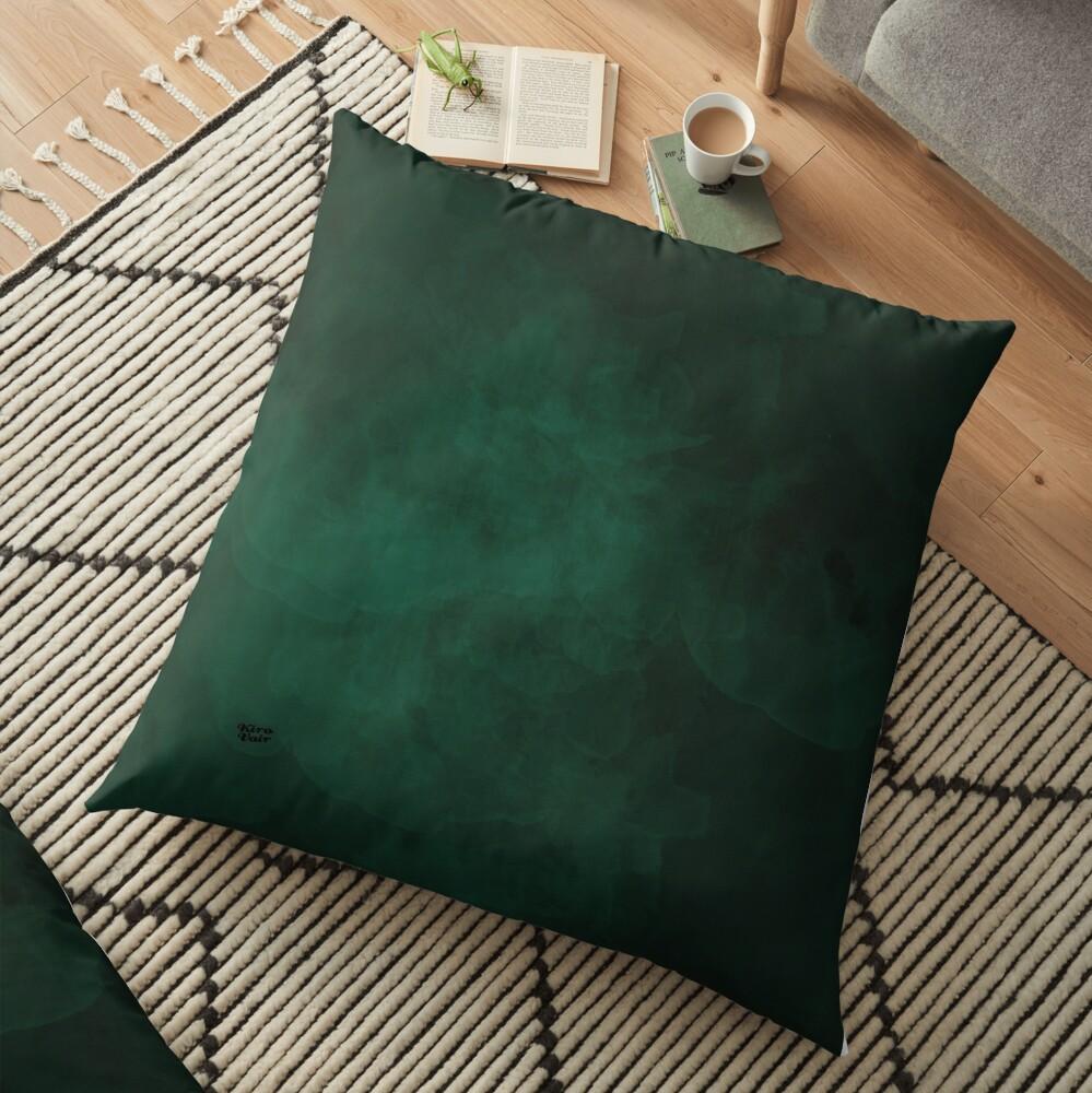 Emerald #minimal #design #kirovair #decor #buyart #green #design #elements Bodenkissen