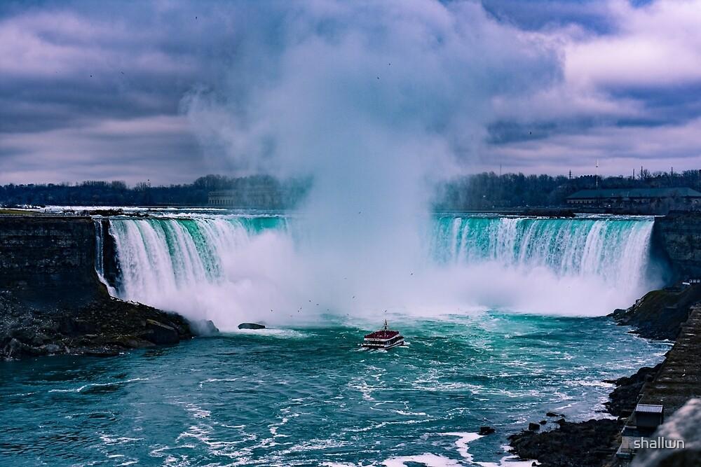 Niagara Falls by shallwn