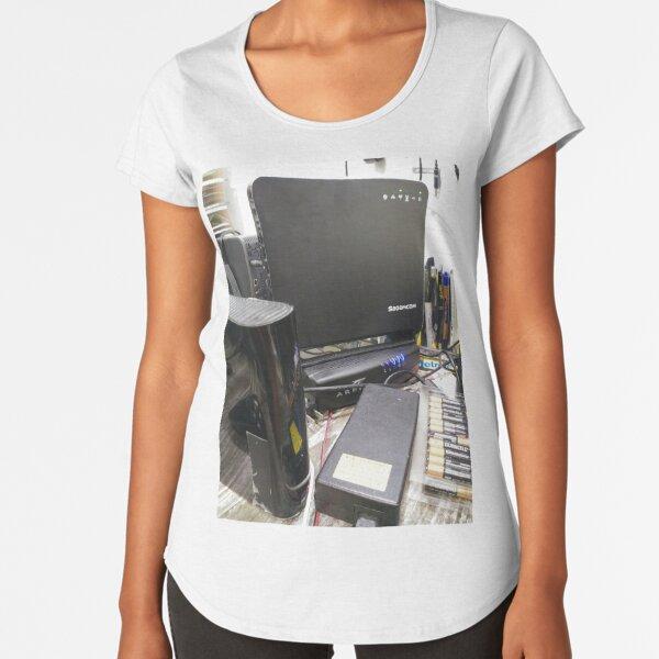 Surface Premium Scoop T-Shirt