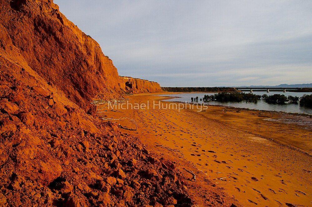 Broken Cliff Face by Michael Humphrys